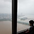 韓国で42日間連続の降雨、洪水・土砂崩...