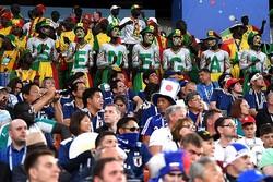 熱狂的な雰囲気を創出した日本&セネガルのサポーターたち。当日はスタンドの内外で盛んな交流が図られたようだ。(C)Getty Images