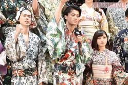 (左から)菅田将暉、小栗旬、橋本環奈/'17年・映画『銀魂』ジャパンプレミアにて