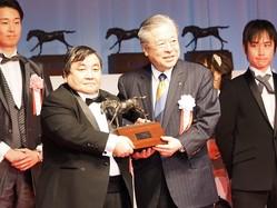 【JRA賞】シングンマイケルが最優秀障害馬を受賞!オジュウチョウサンとの対決を熱望
