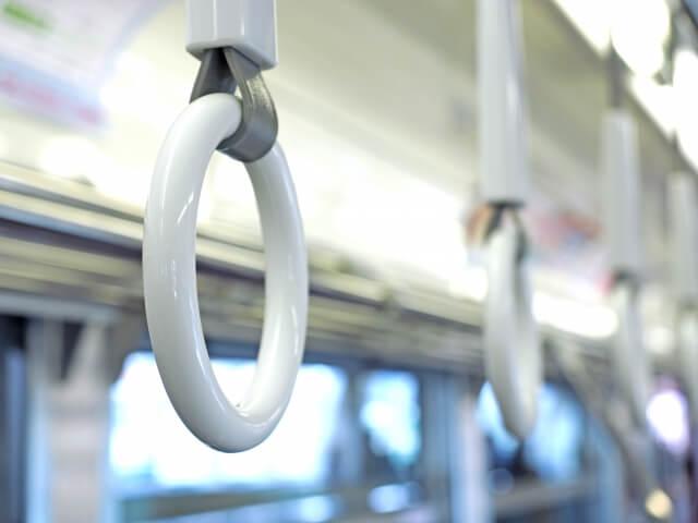 緊急事態宣言でも毎日通勤の30代女性「社内で感染者が出ても、感染対策は個人の自助努力とまで言われた」