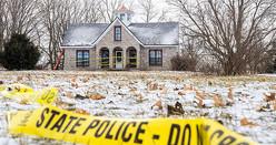 ケヴィン・ベーコンさんが地下室で遺体で発見された数日後の2020年1月上旬、マーク・ラタンスキーの自宅を囲む警察の立入禁止テープ(Photo by Ryan Garza/© TNS/ZUMA)