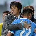 名波監督は非公開練習も実施して選手たちをまとめ上げ、J1参入POを制した。写真:金子拓弥(サッカーダイジェスト写真部)