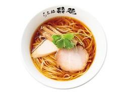 さっぱりとした鶏の旨味が特徴の「鶏そば」(680円) / 「らぁ麺 飛鶏」(愛知県春日井市)