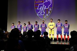 FC東京に加入した新加入選手9人。写真:茂木あきら(サッカーダイジェスト写真部)