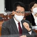 国会情報委員会に出席した国情院の朴智元(パク・チウォン)院長=16日、ソウル(聯合ニュース)