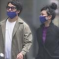 ウーマン村本と松田ゆう姫の熱愛が明らかに。おそろいのマスクで歩く2人(11月下旬)