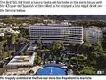 事故が起きたスペインの5つ星ホテル(画像は『The Sun 2020年7月11日付「HOTEL PLUNGE Brit, 50, plunges to death and kills local on ground after falling from 7th floor of Marbella hotel」』のスクリーンショット)