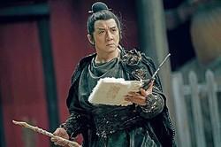 ジャッキーは学者を装った妖怪ハンターに!  - (C) 2019 iQiyi Pictures (Beijing) Co. Ltd. Beijing Sparkle Roll Media Corporation Golden Shore Films & Television Studio Co., Ltd. All Rights Reserved.