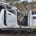 南アフリカの国立公園で、車と衝突したキリンが対向車に落下し、観光客1人が死亡した/Kruger National Park