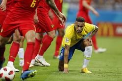 """ロシアW杯後、初めて公の場に姿を見せたネイマール。いわゆる""""チャレンジ""""が流行っている点については「ひとつのユーモア」と捉えているようだ。(C)Getty Images"""