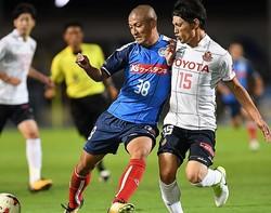 水戸は名古屋とホームでドロー。J2屈指の陣容を誇る強豪を相手に善戦を見せた。写真:徳原隆元