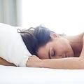 目覚めが劇的に改善するアラーム オーストラリアの大学が調査