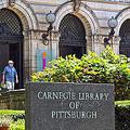 カーネギー図書館から約9億円相当の本盗む 価値高いページを売却
