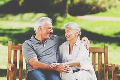 【心理テスト】熟年カップルへに抱いた印象でわかる、あなたが向かう恋の未来像