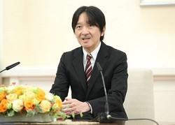 55歳の誕生日に会見(時事通信フォト)