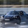 ポルシェ新型EV「タイカン」がギネス記録達成 EVでの最長連続ドリフト