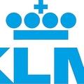 「授乳するなら毛布で覆って」KLMオランダ航空の対応に批判