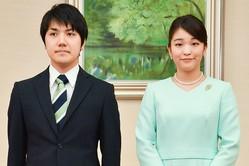 御婚約内定発表での小室圭さんと眞子さま