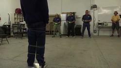 「スパイダーマンの糸」で容疑者を安全に拘束、米警察が試験導入