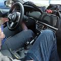 新型BMW「4シリーズ カブリオレ」の車内を激写 電動化は濃厚