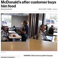 店から出るようホームレスに指示する警察官(画像は『New York Post 2018年3月1日付「Homeless man kicked out of McDonald's after customer buys him food」(Facebook)』のスクリーンショット)