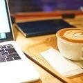 スタバでMacBook 何をしている?