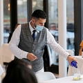 NY市レストランが半年ぶりに店内飲食を再開 客数25%に制限
