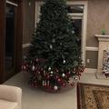 クリスマスツリーの飾りつけを子どもに任せると? 「なんて可愛らしい」