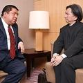 平成史について語り合う佐藤優氏(左)と片山杜秀氏