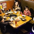 配膳ロボットServi 牛角・温野菜などにて12月3日から先行導入