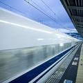 28日、中国紙・環球時報は、日本とタイが協力し、タイの首都バンコクと北部チェンマイを結ぶ高速鉄道を新幹線方式で建設する計画について、「経費を削減するために最高時速の見直しを迫られている」と伝えている。写真は新幹線。