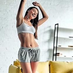お腹周り&背中&二の腕を一挙に引き締め。いつの間にか【ほっそり上半身】に導く簡単習慣
