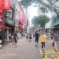 ソウル中心部の明洞(ミョンドン)を訪れる日本人観光客も多い