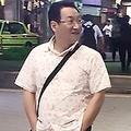 ラフな装いで友人と夜遅くまで飲んでいた春風亭昇太('19年9月)