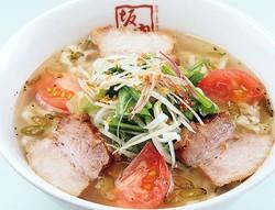 透明なのにしっかり辛いスープがクセになる!