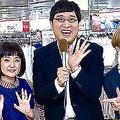 「3色ショッピング」ロケに臨む(左から)滝菜月アナ、千秋、山里亮太、RIKACO、河北麻友子(C)日本テレビ