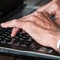 年上の部下や同僚と上手く接する方法「寄り添い」は逆効果に