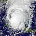 熱帯低気圧の大型化原因は地球温暖化 米研究所が将来的な大被害を予測