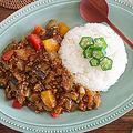 【あゆの簡単スポ飯】調理時間10分!夏野菜たっぷりのクイックキーマカレー