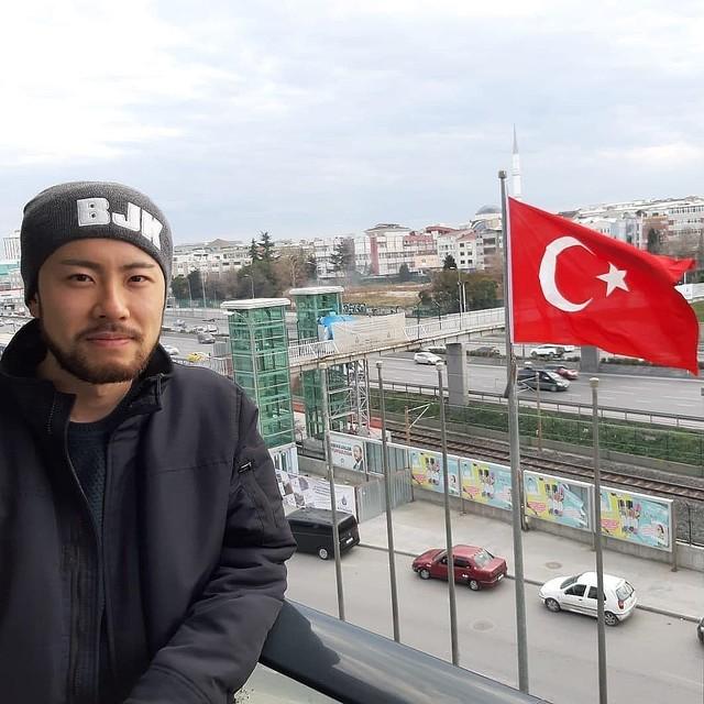 """海外で日本人が""""ニート生活""""? トルコでの働かない日々をSNSで配信、注目を集める「ニートさん」に話を聞いた"""