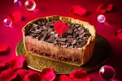 パブロ期間限定「ショコラとフランボワーズのLOVEチーズタルト」濃厚チョコ×甘酸っぱいベリー
