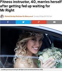自分自身と挙式をした40歳女性(画像は『Metro 2017年9月28日付「Fitness instructor, 40, marries herself after getting fed up waiting for Mr Right」(Picture: CEN)』のスクリーンショット)