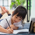 机に向かう習慣づけという意味では失敗 ひろゆき氏が夏休みの宿題に指摘
