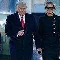 米国のドナルド・トランプ前大統領夫妻(2021年1月20日撮影)。(c)ALEX EDELMAN / AFP