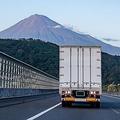 「トラック余り」進み運賃投げ売りも…トラック運転手の苦悩