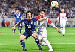 日本は格下のモンゴルを相手にも高いインテンシティーを維持し続け、6−0の圧勝を飾った。(C)SOCCER DIGEST
