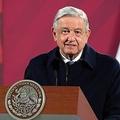 メキシコの首都メキシコ市で記者会見するアンドレス・マヌエル・ロペスオブラドール大統領(2020年12月15日撮影、資料写真)。(c)Mexican Presidency / AFP