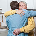 家族の絆が強いことも裏目に(写真はイメージです)