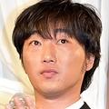 小沢一敬、ヘアカラーに迷走中?(2015年撮影)